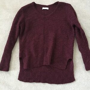 ABERCROMBIE & FITCH PULLOVER KNIT SWEATER IN BURGUNDY