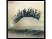 SEEKING AN EXPERIENCED EYELASH TECHNICIAN, MUST BE FLEXIBLE. ALSO HAVE A SMALL ROOM TO RENT DAILY