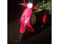 VESPA LX50 RED