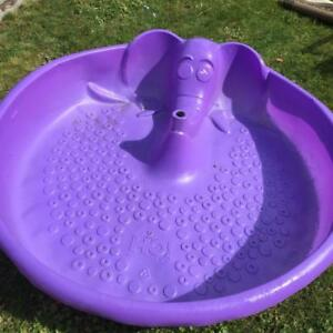 Elephant Spray Wading Pool