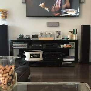 Glass Media Unit