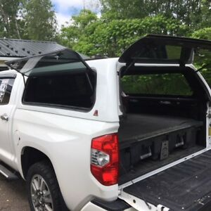 toyota tundra Leer cap and tool box - Decked brand