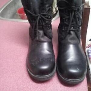 BRAND NEW WOMEN'S BLACK WINTER BOOTS SIZE 12 WIDE