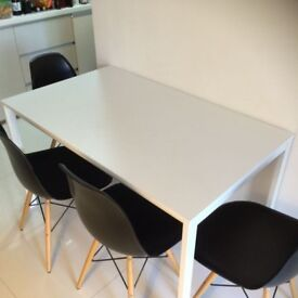 White Dinning Table + 2 white chairs = 25GBP