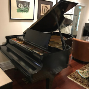 Baldwin Grand Piano - 7'