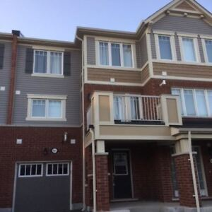 3 STOREY TOWNHOUSE FOR SALE IN MILTON