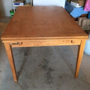 Oak dining room table (used) REDUCED From $150