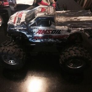 Redcat RC Amsoil Shock Therapy Ground Pounder R/C Monster Truck