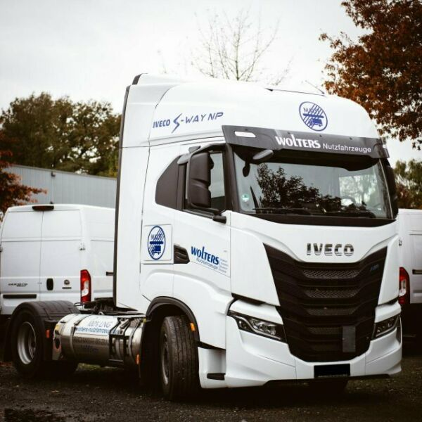 Iveco AS440S46T/P 2LNG S-Way Magirus Edition Radstand