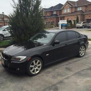2011 BMW 3-Series Executive Edition, Low KM's