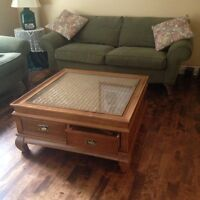 Solid Wood Coffee Table - Glass top - 4 drawers