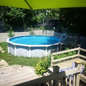 Piscine hors terre a donner / Free above ground pool