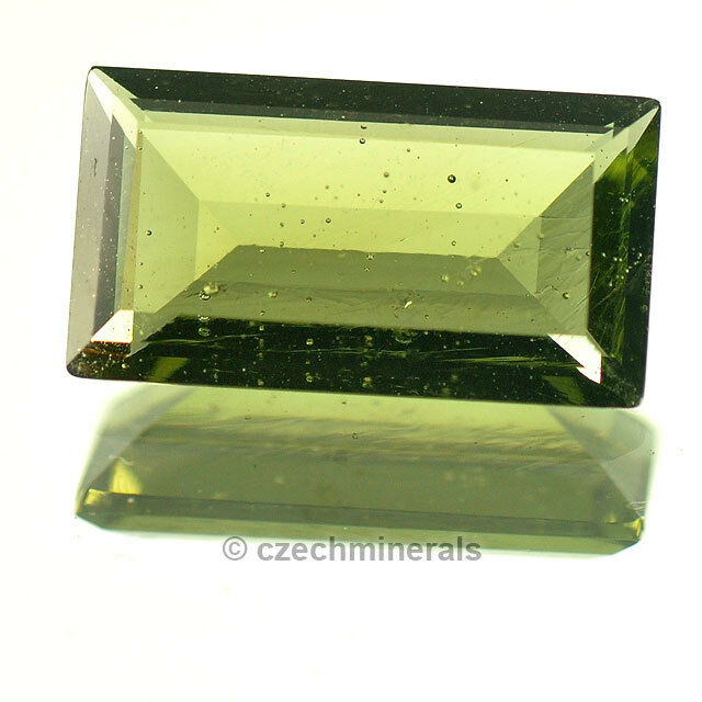 2.62cts rectangle 7x12mm moldavite faceted cutted gem BRUS675