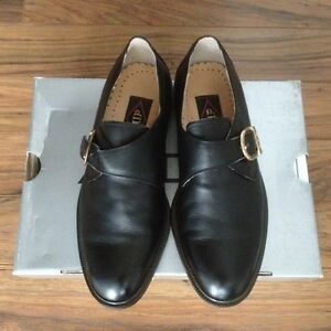 New man/boy's black leather shoes