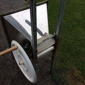 Stainless Steel Double Roller Grape Crusher Cornwall Ontario image 2