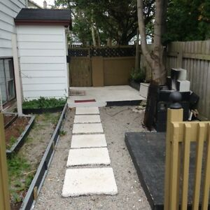 12A Kitchener Ave –Freshly Painted Bright 1 Bedroom Apartment