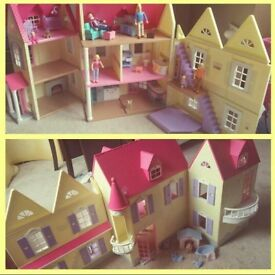 Dolls house, large fold up dolls house