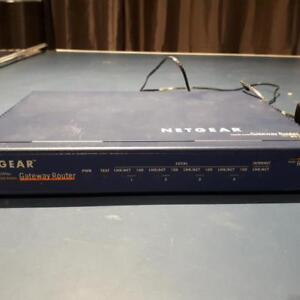 10/100 Netgear router