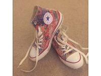2 Pairs of Converse Size 5