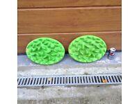 Two dog feeders - Northmate slow feeder