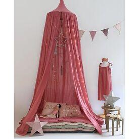 I lovely baby curtain