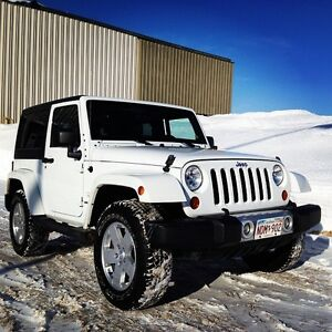2011 Jeep Wrangler Sahara - Hard top and Soft top Included!!