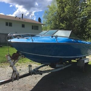 19' Reinell Boat