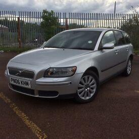 2006 Volvo v50 estate/2 litre/DIESEL/2 X keys/Excellent MPG/Long MOT £2300 ONO PX?bmw Audi auto any
