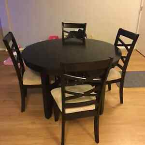 Dining table and chairs set Edmonton Edmonton Area image 1