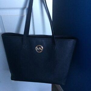 Excellent Condition Michael Kors Tote Bag