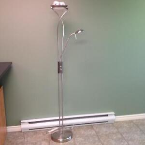 Floor lamp with reading arm