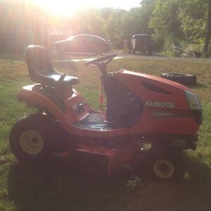 Kubotta T1770 Lawn Tractor