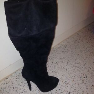 Brand New Varedi Black Knee High Boots North Melbourne Melbourne City Preview