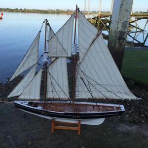 New BLUENOSE WOODEN MODEL YACHT SAILING BOAT ORNAMENT 80cm x 62cm