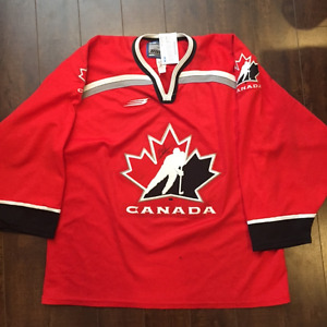 1998 Canadian Olympic Jersey signed by Eric Lindros