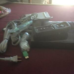 Complete Wi system with 2 controllers + 1 game