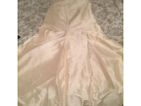 THAI SILK FISH TAIL SKIRT AND BODICE TOP WEDDING DRESS THAT HAS ZIP AND RIBBON BACK SIZE 12