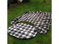 Winter's coming! 2 Outdoor Heavyweight Horse Rugs (1 x 6'9'; 1 x 6'6)+ one heavyweight liner (6'9')
