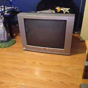 24 INCH TV IN GREAT WORKING ORDER
