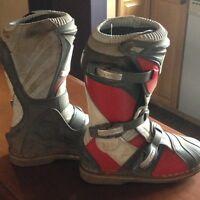 Youth size 7 motocross boots-Thor