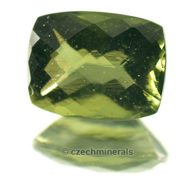 1.73cts rectangle cushion 7x8mm checker moldavite faceted cutted gem BRUS702