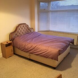 Large Double room to rent in Branksome, Poole