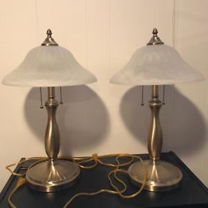 Lampes de table en laiton à vendre