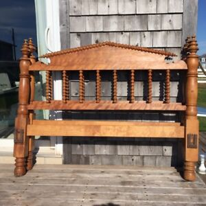 Antique Double/Full Spool Bed