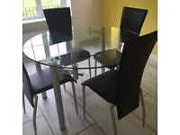 glass (extendable dining table and chairs