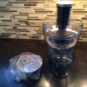 Barely used Breville juicer BJE200XL