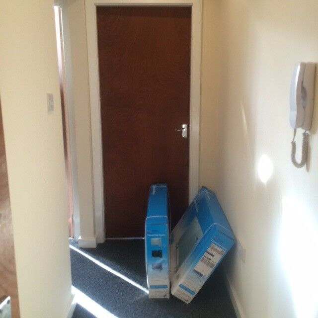 ***MODERN 1 BEDROOM, FULLY FURNISHED APARTMENT, RAWSON PLACE, BD1***