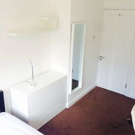 Stylish, modern, clean, refurbished double room near Elephant & Castle £650pcm