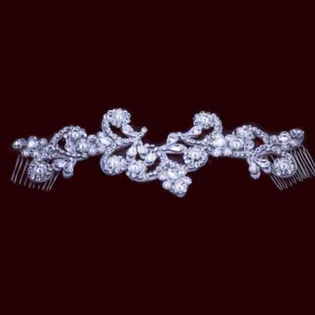 Bling Swarovski Comparable Pnina Inspired Hairpiece