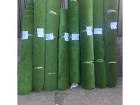 Artificial grass rollends